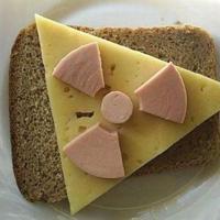 Бутерброд - знак радиоактивной опасности