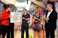 Награждение Ника Кристи на конкурсе Dutch Postcode Lottery Green Challenge