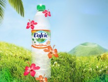 Фруктовая вода Volvic Touch of Tropical Fruits