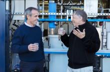 Билл Гейтс пробует воду из Омнипроцессора