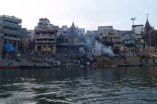 Основная причина загрязнений в реке Ганг - бытовые сточные воды.