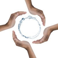Вода используется людьми, с точки зрения непосредственного употребления, и для косвенных целей.