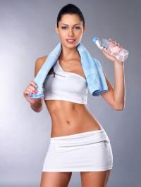 Пейте воду для спорта и фитнеса