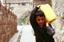Дефицит воды в Йемене вызвал водные бунты в 2009 году
